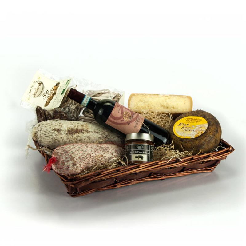 cesto di natale con salumi e pecorino